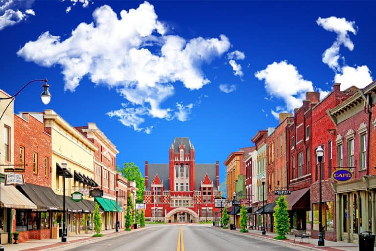 5 Best Small Towns to Visit in the US